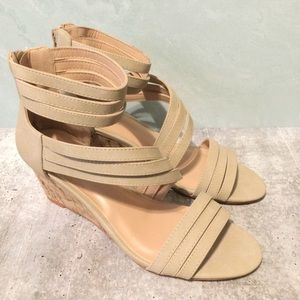 Journey Collection Loki Wedge Sandals 7.5